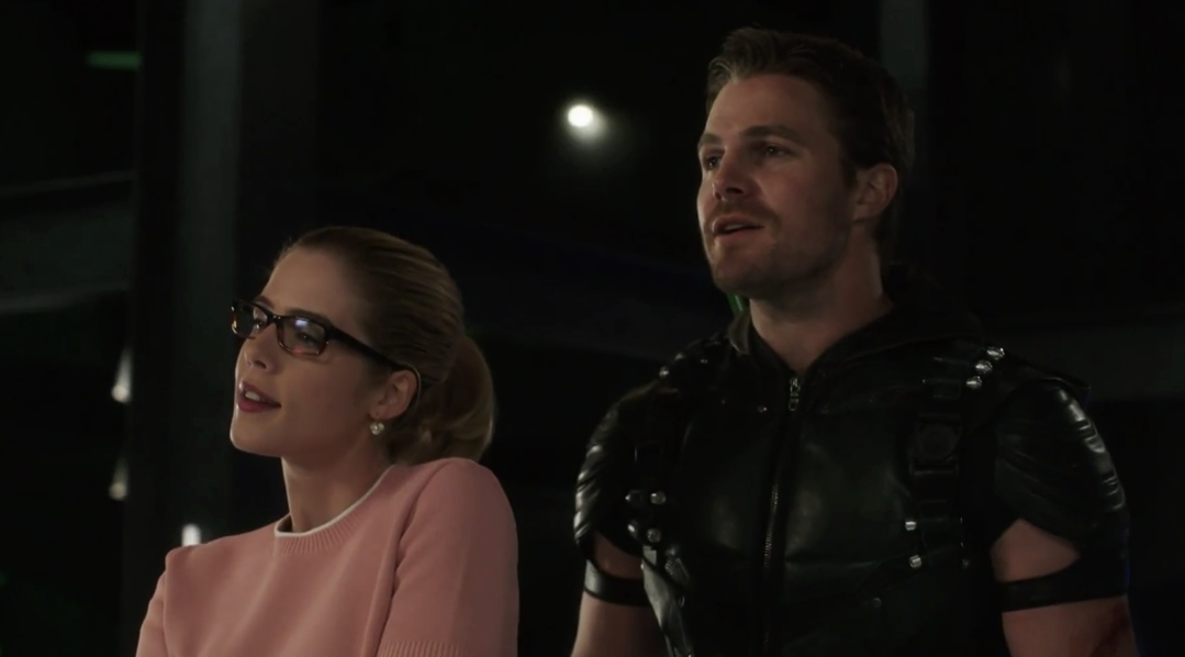 Arrow: Oliver and Felicity Work Through Trust Issues To Survive